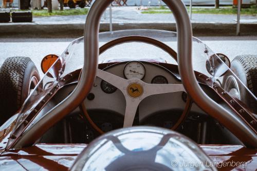 Cockpit des Ferrari 156