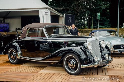 Mercedes-Benz 220 W187 Cabriolet