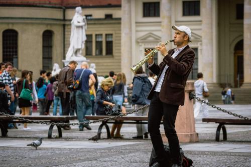 Strassenmusikant am Gendarmenmarkt